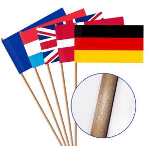 Papierfahnen mit Holzstab